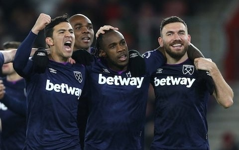 West Ham's performance at Southampton shows Manuel Pellegrini 'has not lost the dressing room', says Michail Antonio
