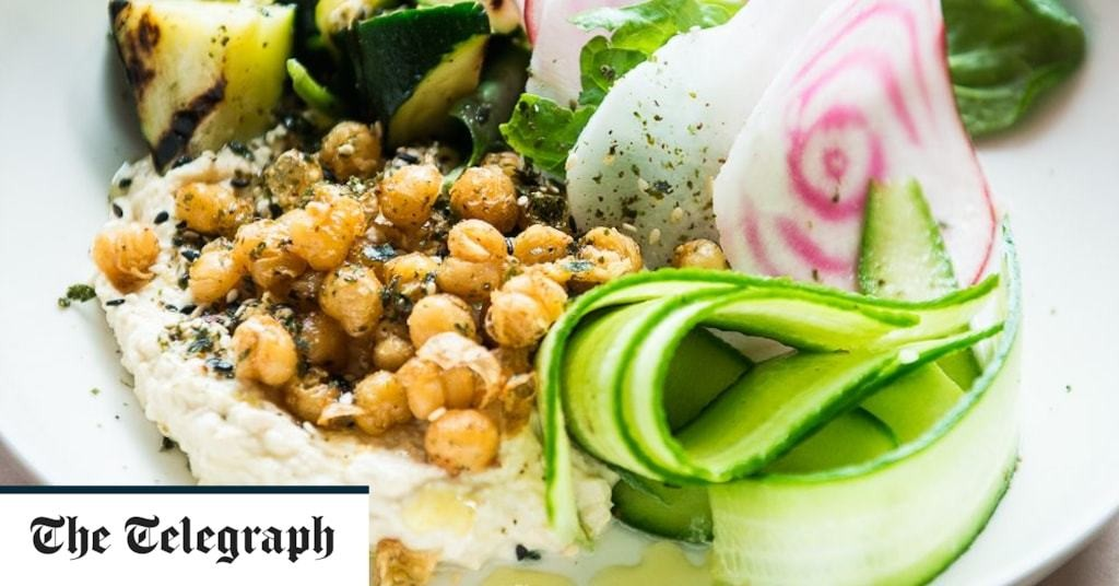 Breakfast salad of chickpea, courgette, spinach and beetroot recipe