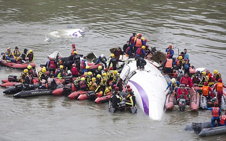 Father saved his baby son from TransAsia crash with CPR