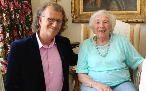 André Rieu honours Dame Vera Lynn in veterans concert