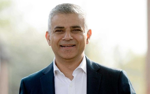 Sadiq Khan: London mayor snubbed by Jeremy Corbyn as Labour leader fails to appear at swearing-in ceremony
