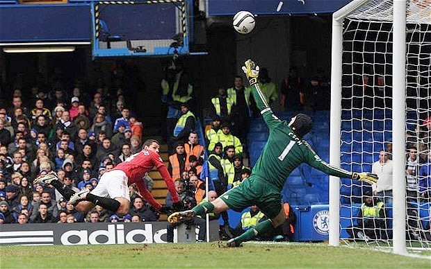 Petr Cech: I'm a better goalkeeper now, five years ago I wouldn't have been able to make Javier Hernandez save