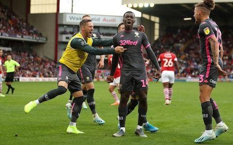 Marcelo Bielsa hails 'complete player' Eddie Nketiah as Leeds beat Barnsley to top Championship table