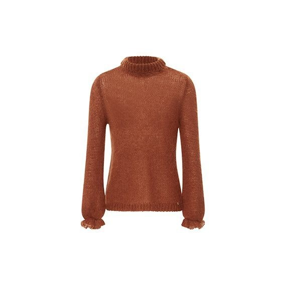 How the Telegraph's fashion editors style transeasonal knitwear