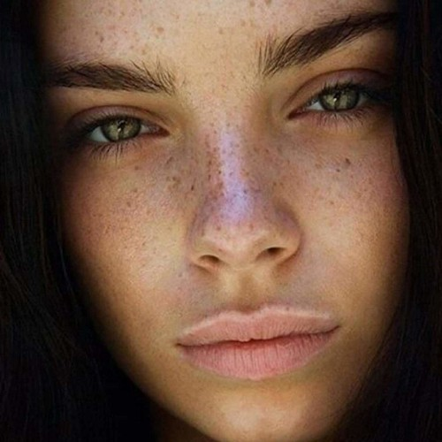 Glycolic acid: what is it and how can it help your dry skin?