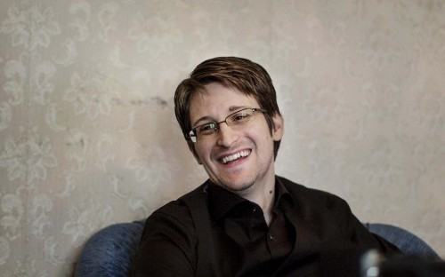 Edward Snowden says he will vote in presidential election