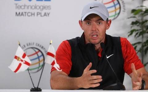 Rory McIlroy not distracted by thoughts of Tiger Woods with world No 1 spot on the line