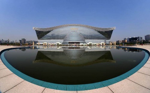 The world's biggest building in pictures