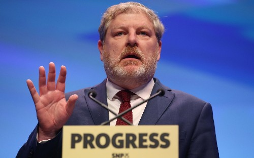 Angus Robertson pledges to support Nicola Sturgeon, not replace her if he wins Holyrood seat battle