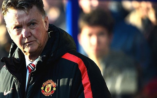 Man Utd news: Louis van Gaal's side 'not functioning as a team', says former Old Trafford striker Michael Owen