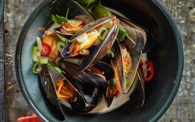 Stephen Harris: Thai-style mussels with lemongrass