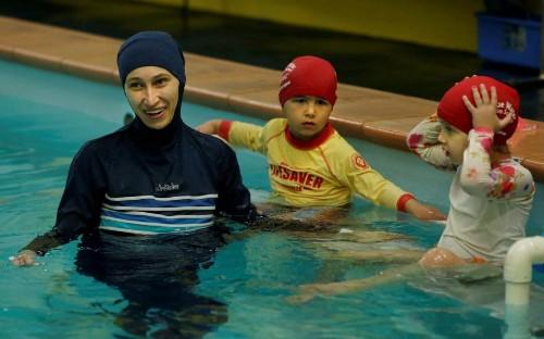 Muslim girls must take swimming lessons alongside boys, German court rules