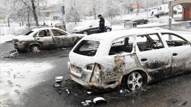 Swedish police investigate riot in predominantly immigrant Stockholm suburb