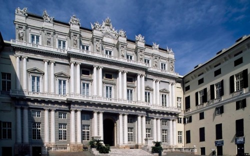 Genoa closes art exhibition after paintings 'turn out to be fakes'