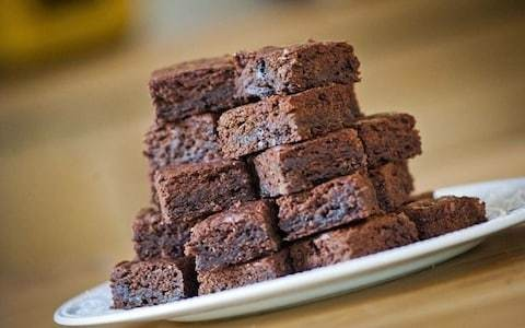 Cinnamon, cardamom and clove spiced brownies recipe