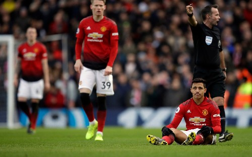 Ole Gunnar Solskjaer: Alexis Sanchez is like ketchup stuck in a bottle, but there will be loads when it comes out