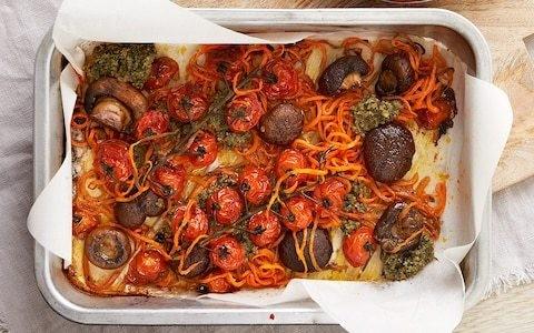 Veggie breakfast tomato and mushroom tray bake recipe