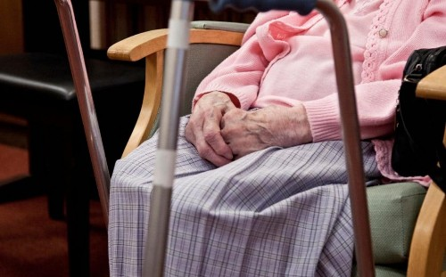 Nursing home fees reach £1,000 per week on average, report finds