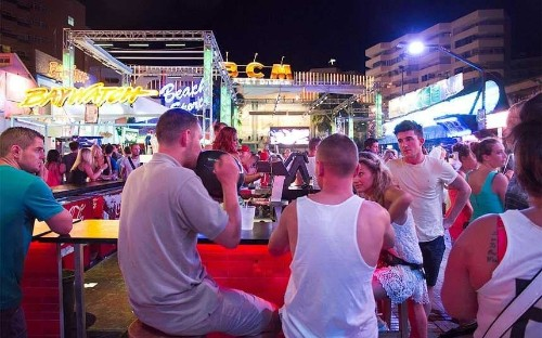 Magaluf laws ban drinking on the streets