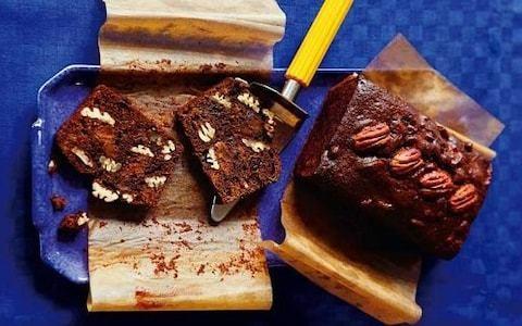 Chocolate and vanilla fruitcake with bourbon recipe