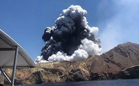 'Near zero visibility' as divers search for remaining victims of White Island volcano eruption