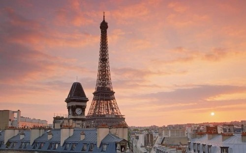 Cosmic dust left over from the dawn of the solar system found on rooftops in Paris
