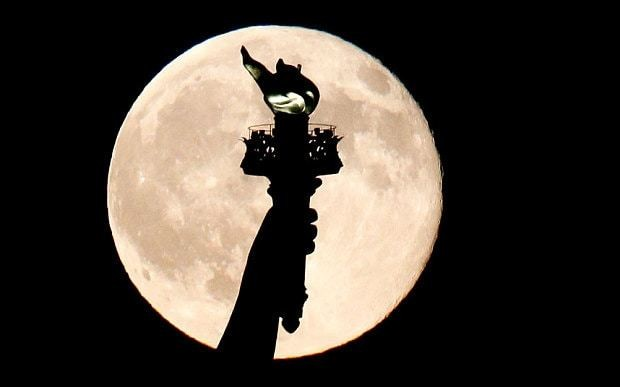 #BlueMoon: Lady Liberty got a better view than we did