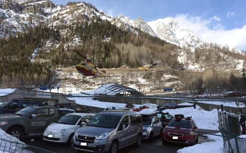 Three skiers killed and five injured in avalanche near Courmayeur in Italian Alps