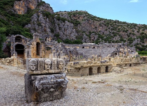 Just Back: Dodging mad dogs in Turkey's ancient ruins
