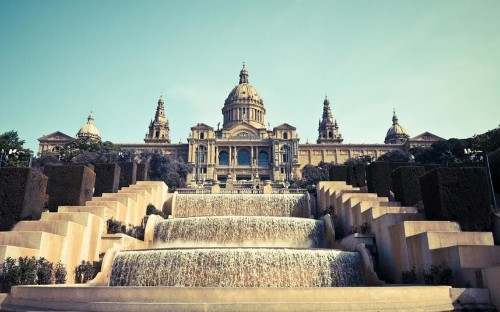 The cheapest ways to travel from London to Barcelona
