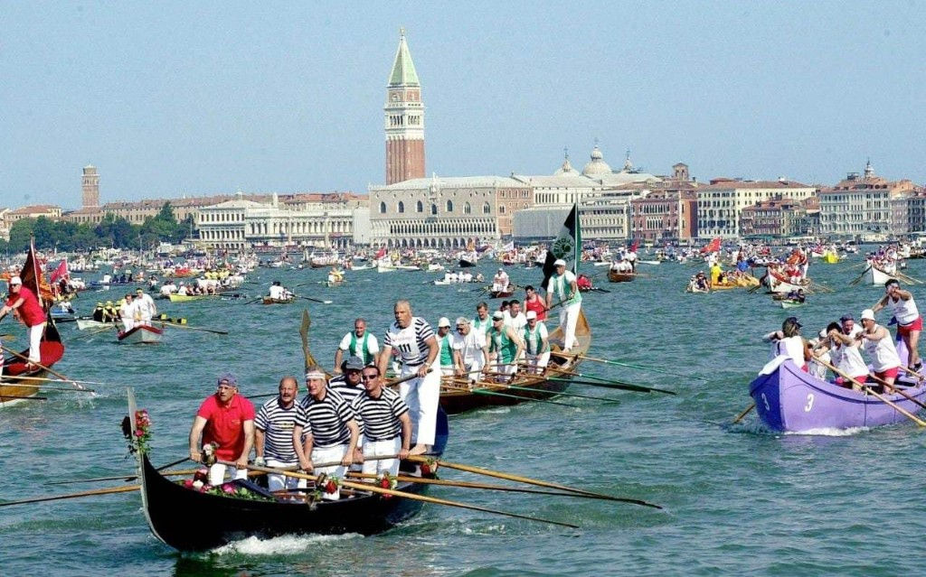 Venice mayor threatens tourists with a night in the cells after visitor jumps off Rialto bridge and smashes into water taxi