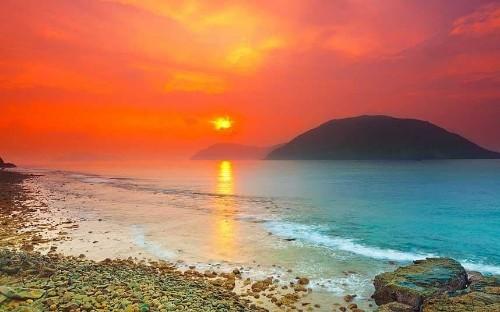 Vietnam's islands: an escape route to peace
