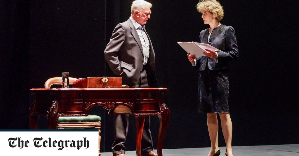 Love Letters review, Theatre Royal, Windsor: Jenny Seagrove and Martin Shaw impress in a tale of almost-requited love