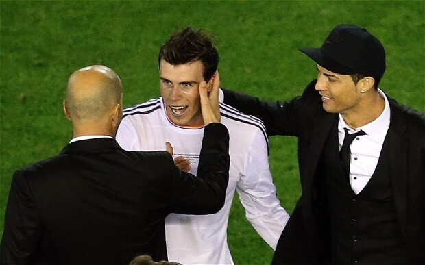 Real Madrid's Gareth Bale steps up and out of Cristiano Ronaldo's shadow