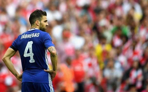 Chelsea midfielder Cesc Fabregas unhappy at missing out on FA Cup final starting spot