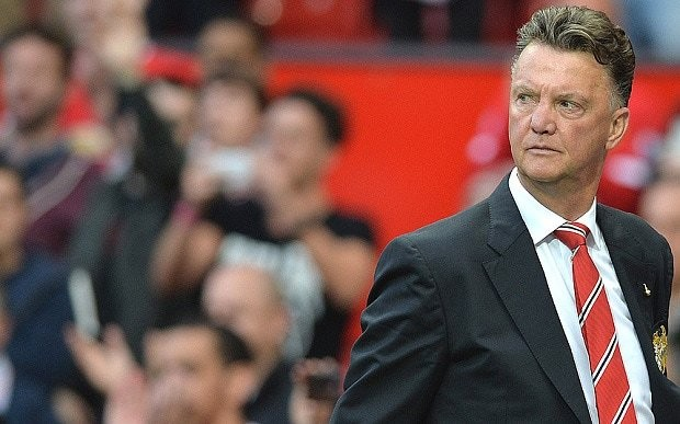 Manchester United manager Louis van Gaal faces defensive crisis ahead of West Ham United game