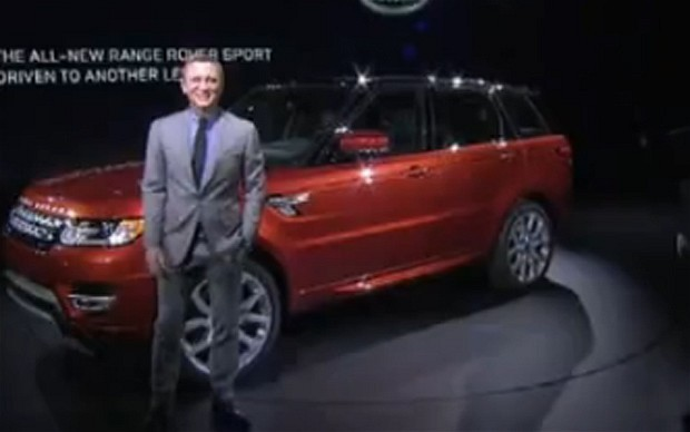 """Land Rover fastest growing car brand in US in 2015 in resurgence of """"cool Britannia"""""""