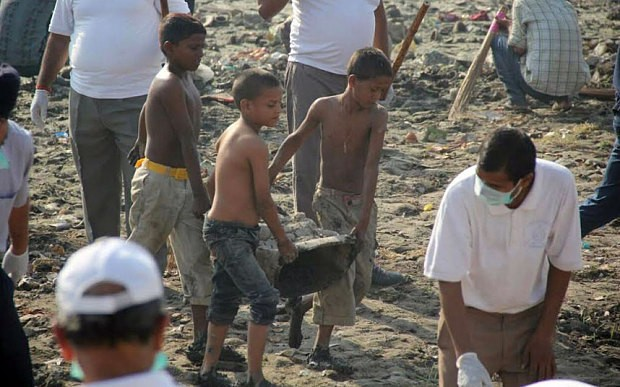 Indian officials investigated for child labour