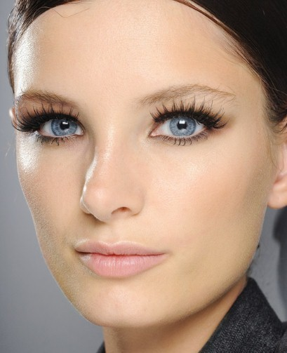 Beauty how to: thick lashes