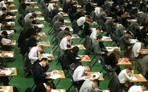 Super size classes in secondary schools at highest level in 35 years, DfE figures show