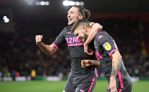 Leeds stay second with win over Middlesbrough
