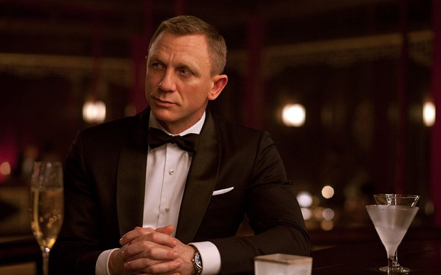Daniel Craig told to 'shut up and stop bashing James Bond'