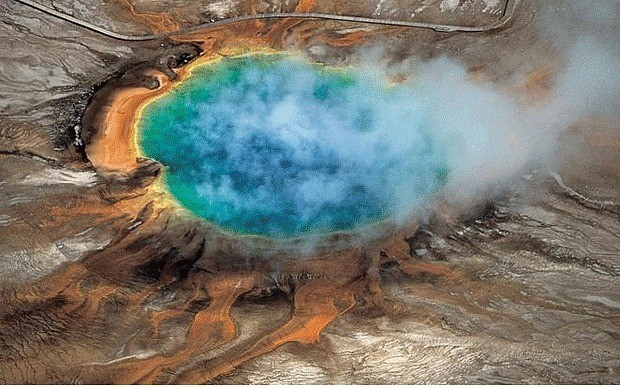Giant magma reservoir found under Yellowstone National Park