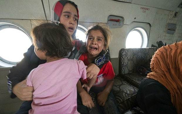 US drops humanitarian aid in besieged Iraq town Amerli