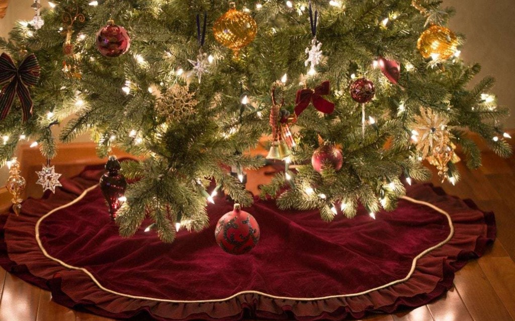 The best Christmas tree skirts for 2020