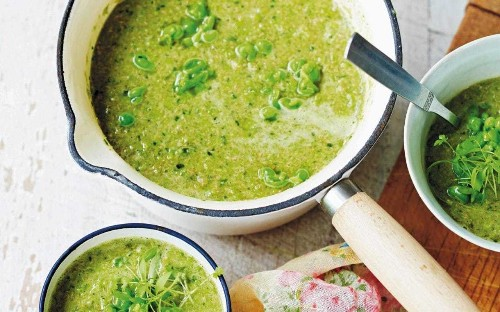 Pea, spinach and lamb soup
