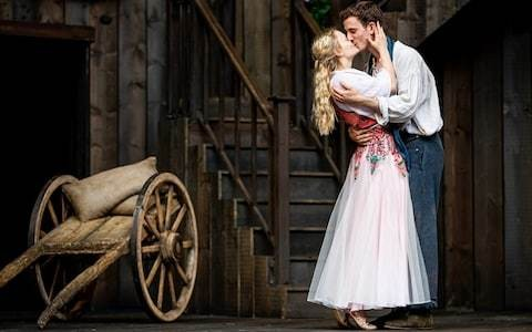 Romeo and Juliet review, Shakespeare's Rose Theatre, Blenheim Palace: Emilio Iannucci shines in a zesty, rough-and-tumble production