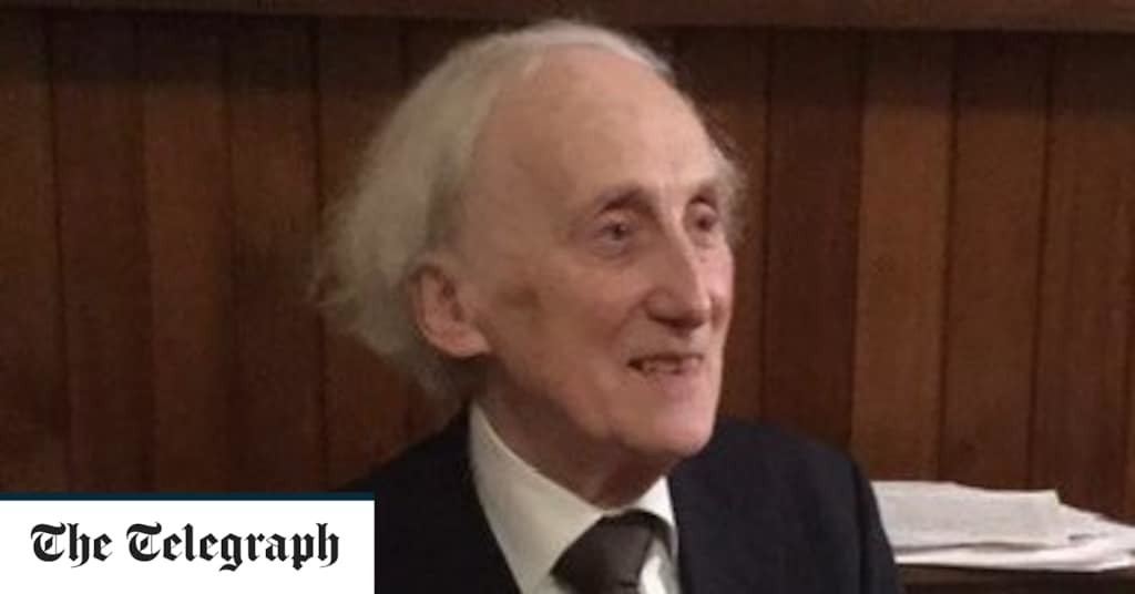 Oliver Davies, gifted concert pianist, musicologist and collector – obituary