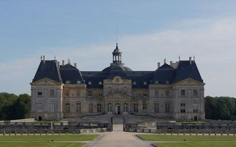 Thieves tie up owners of France's Vaux-le-Vicomte castle and swipe €2m in valuables