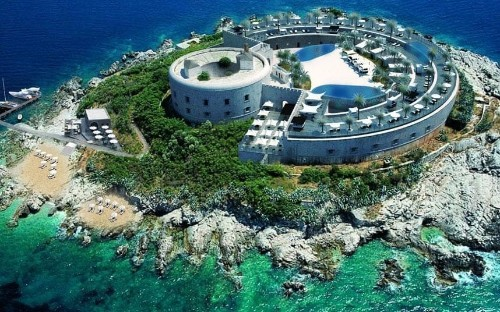 Former concentration camp to become luxury beach resort